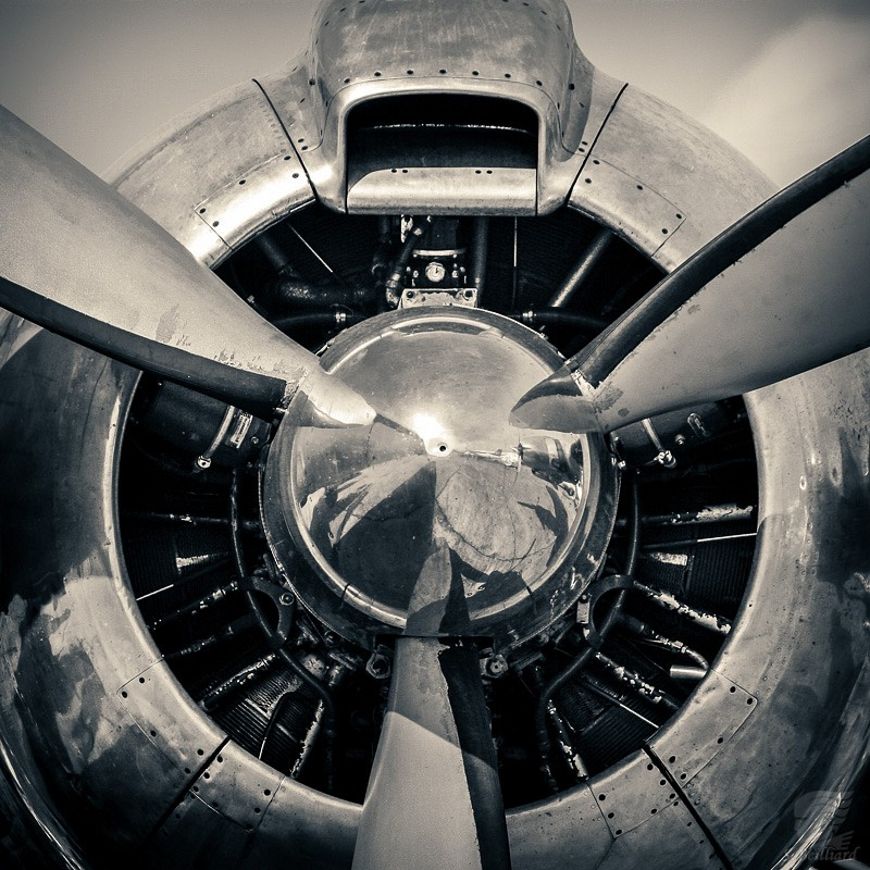 Super Constellation engine