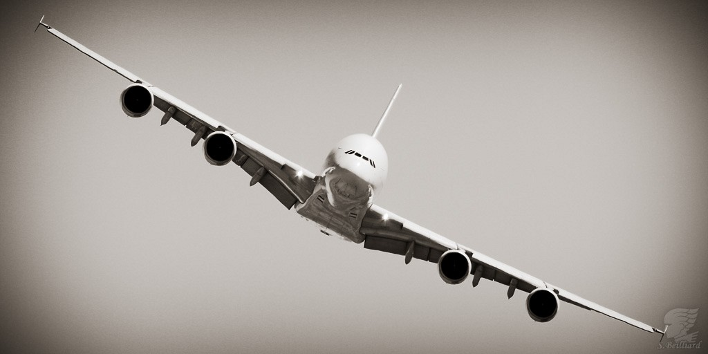 Airbus A380 Front view