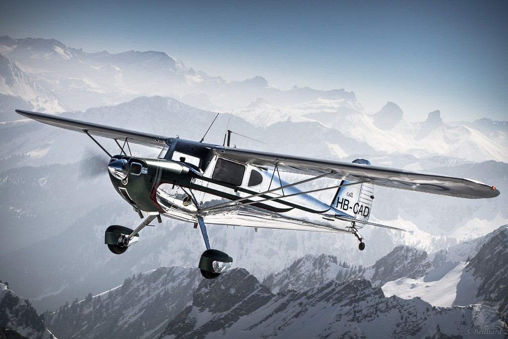 Cessna 140 in the Alps