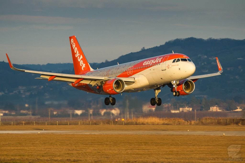 """A320 Easyjet """"20 years"""""""